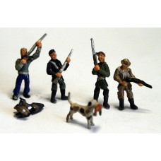 F273p Painted Hunters (4) and gun dogs (2) OO 1:76 Scale Model Kit