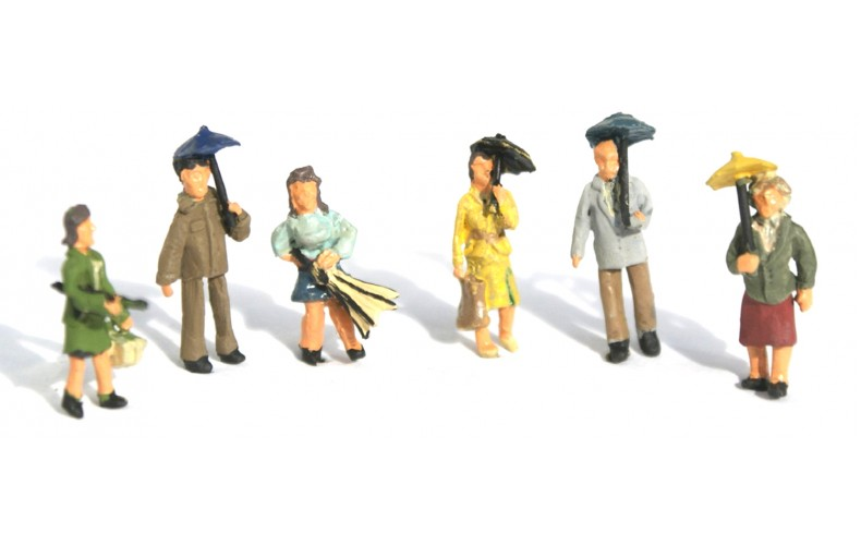 F274p Painted 6 x People with Umbrellas OO 1:76 Scale Model Kit