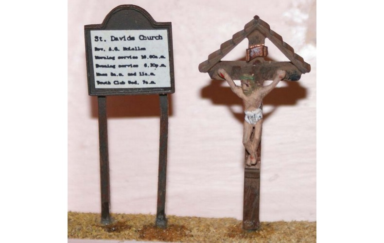 F41 Church Notice Board & Crucifix F41 Unpainted Kit OO Scale 1:76