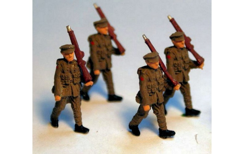 F49p Painted 4 Soldiers Marching OO 1:76 Scale Model Kit