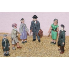 F52p Painted 6 x Standing Figures set 1 OO 1:76 Scale Model Kit