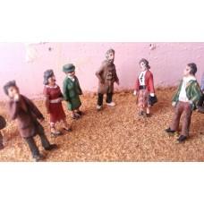 F53 6 x 1950's standing figures - set 2  Unpainted Kit OO Scale 1:76