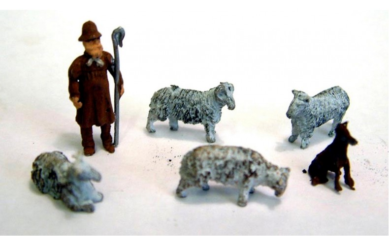 F58ap Painted Shepherd, Sheepdog and 4 Ass Sheep OO 1:76 Scale Model Kit