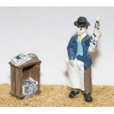 F67 Newspaper Vendor & soapbox Unpainted Kit OO Scale 1:76