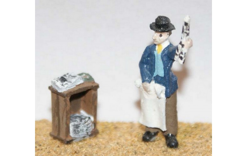 F67p Painted Newspaper vendor and paper box OO 1:76 Scale Model Kit