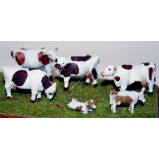 F68b 4 Dexter Cows (3/4 size) and 2 calves Unpainted Kit OO Scale 1:76