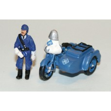 G12c RAC Motorbike/sidecar + fig Incl transfers Unpainted Kit OO Scale 1:76