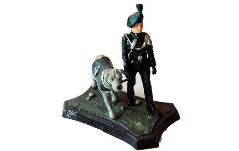 GB13p Royal Irish Ranger with Wolfhound Mascot GB13p Painted Model 54mm Scale
