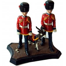 GB15 Royal Regiment of Fusiliers 2 handlers and GB15 Unpainted Kit 54mm Scale