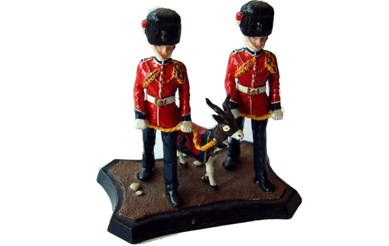 GB15p Royal Regiment of Fusiliers 2 handlers and GB15p Painted Model 54mm Scale