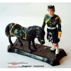 GB1 Argyll & Sutherland Highlander with Mascot Pony GB1 Unpainted Kit 54mm Scale