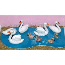 L24p Painted 3 Swans & 3 Cygnets O Scale 1:43