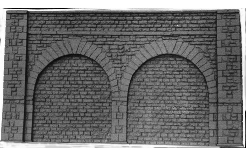 L9a Tall Stone Embankment Walls 38x21cm  Unpainted Kit O Scale 1:43