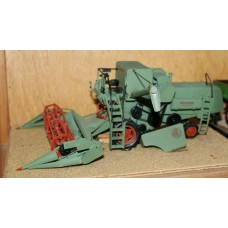 M15 Claas Matador 'Giant' Combine harvester  Unpainted Kit O Scale 1:43