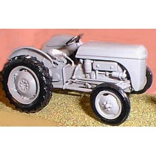 M7 Ferguson TEA20 Farm Tractor Unpainted Kit O Scale 1:43