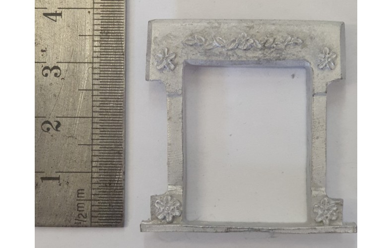 OC6b Small Window - Victorian Decorated Unpainted Kit O Scale 1:43