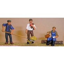 OF13 3 Farm workers (coat/hayfork & drinking) Unpainted Kit O Scale 1:43
