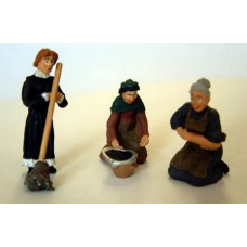OF21 3 Working Women, scrubbing, mopping etc  Unpainted Kit O Scale 1:43