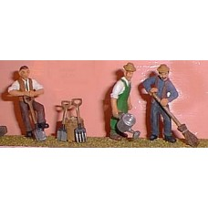 OF4 Gardeners, digging/watering/sweeping Unpainted Kit O Scale 1:43