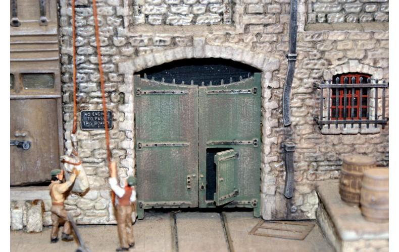 P26 Works Entrance Gates & Postern Door Unpainted Kit OO Scale 1:76