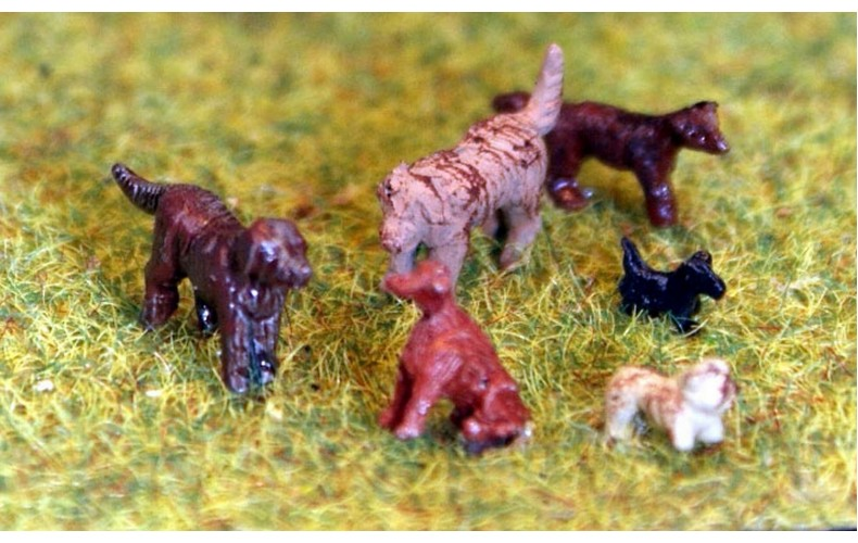 TT5 6 dogs 3mm UNPAINTED TT Scale