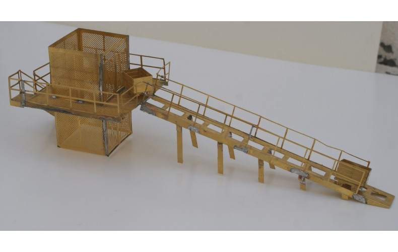 V21b Pithead Underground lift cage & truggs Unpainted Kit OO Scale 1:76