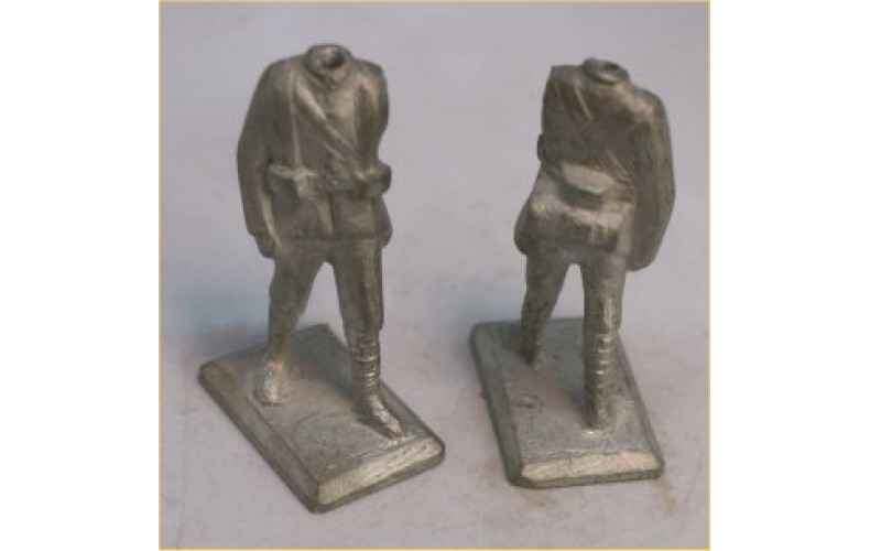 xb07 1/2 pack putees no left (54mm Scale)