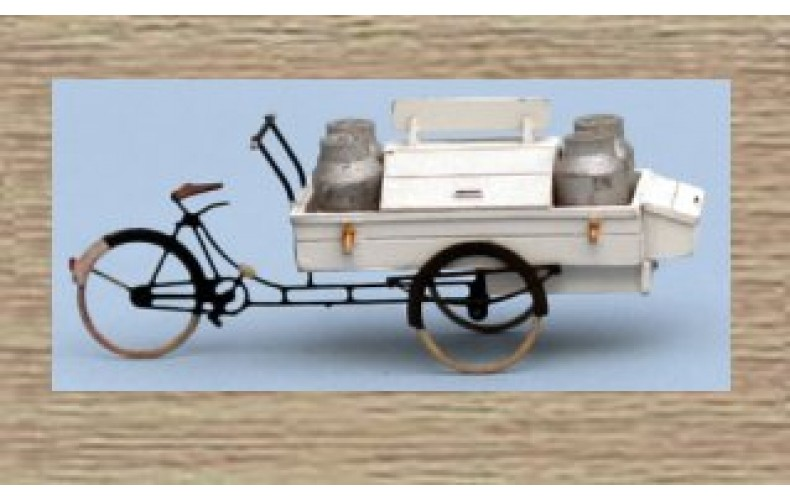 31608 Painted Delivery Bicycle and Milk Churns  (N Scale 1/160th)