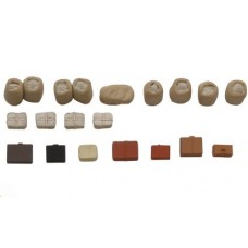 38758 Painted Platform Goods and bags (OO/HO Scale 1/87th)