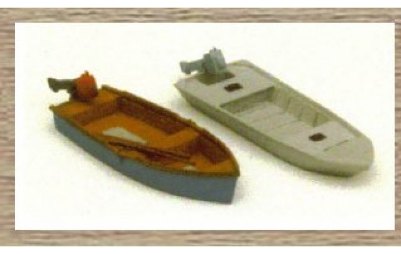 38710 Painted 2 x small Fishing Boats (OO/HO Scale 1/87th)